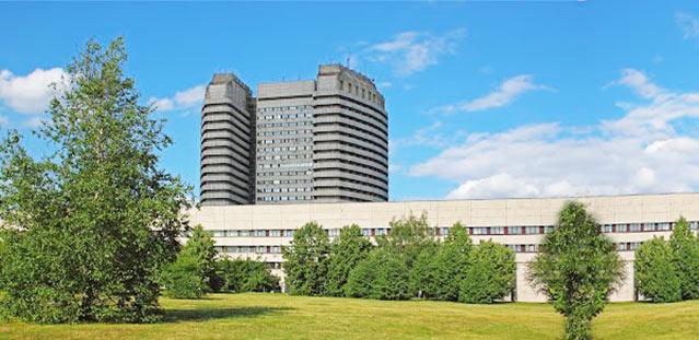 Здание НМИЦ онкологии Блохина, где находится центр лечения на Кибер-ноже
