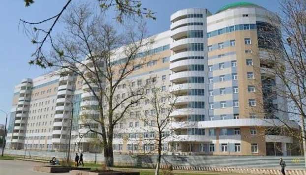 Здание Национального медицинского исследовательского центра нейрохирургии имени академика Н. Н. Бурденко